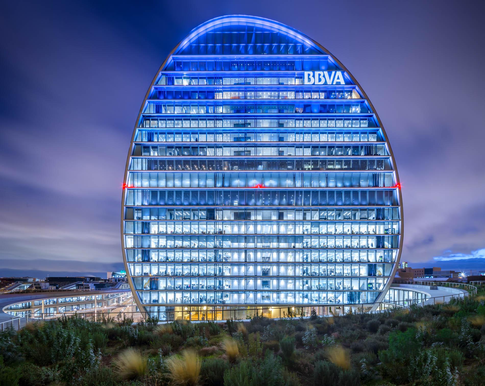 https://accionistaseinversores.bbva.com/wp-content/uploads/2019/04/16.-La-Vela-Ciudad-BBVA.jpg