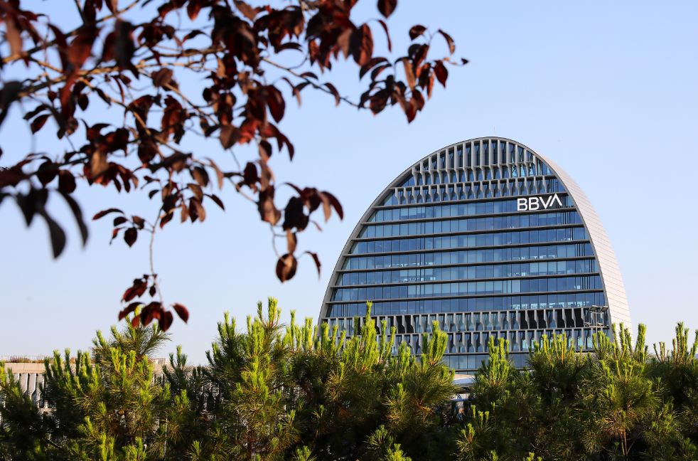 https://accionistaseinversores.bbva.com/wp-content/uploads/2019/09/Vela-naturaleza-nuevo-logo.jpg